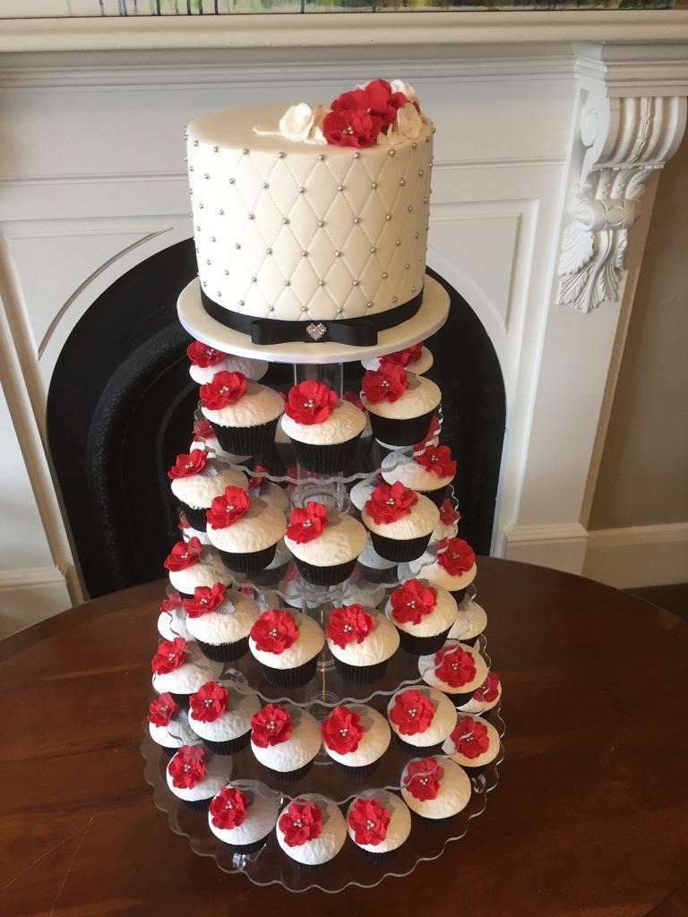 White, Black and Red wedding cake set